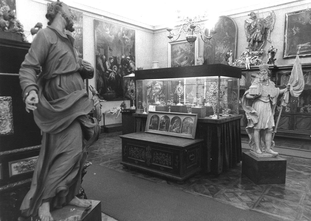 Ausstellungsräumen im Erzbischöflichen Palais vor 1973. Foto: Johann Gürer