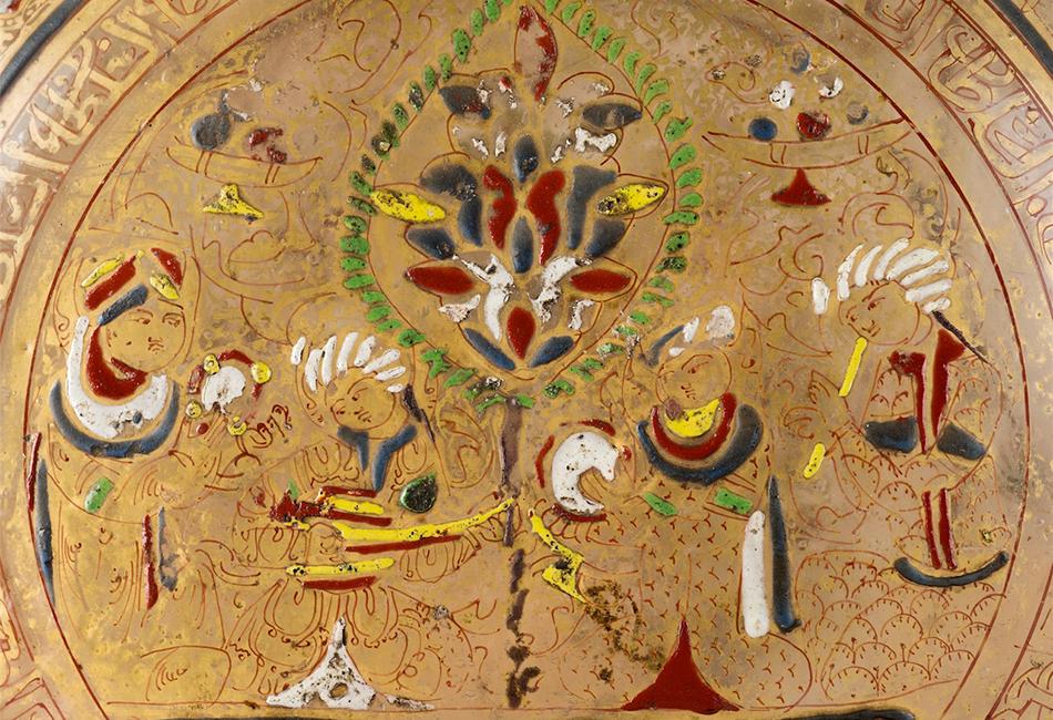 Syrische Glasflasche in Pilgerflaschenform (Detail), um 1280. Dom Museum Wien. Leihgabe der Domkirche St. Stephan, Wien. Foto: Deinhardstein, Rastl